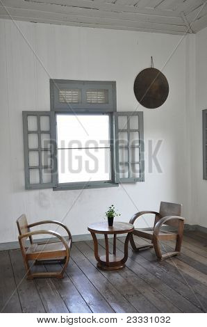 White Room Set Wood Chair Table