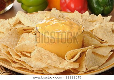 Tortilla Chips With Spicy Cheese Dip