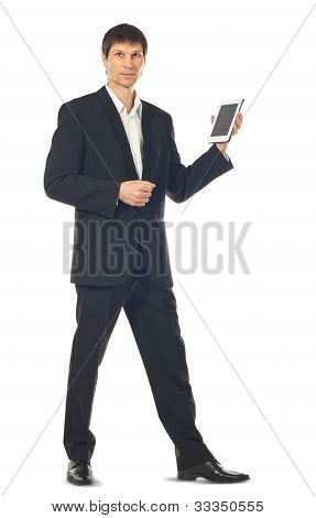 Joven empresario utilizando un equipo Tablet PC