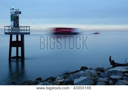 Fraser River Tug and Barge in Motion