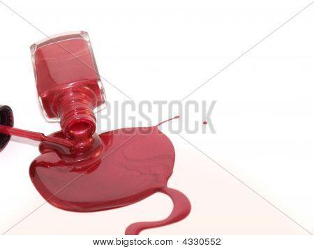 Esmalte de uñas de derrame