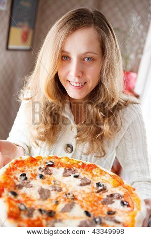 Beautiful Woman With Pizza In Cafe