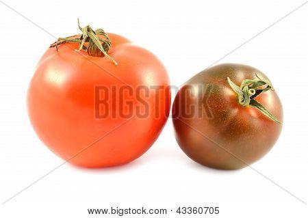 Kumato Tomato And Red Tomato