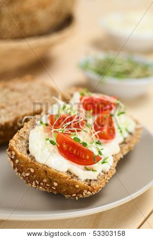 Bread with Cream Cheese, Tomato and Sprouts