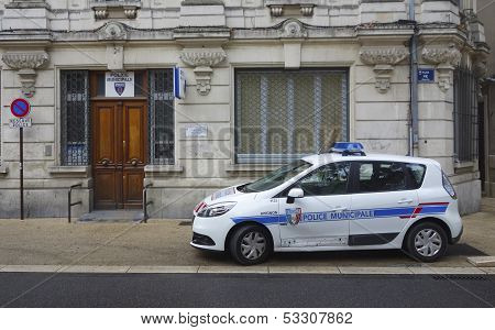 Municipal police car in the front of gendarmerie precinct  in Avignon, France