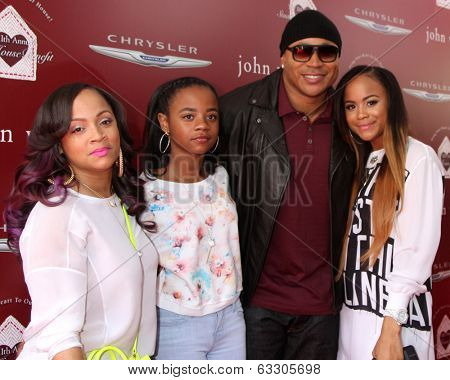 LOS ANGELES - APR 13:  LL Cool J, Family at the John Varvatos 11th Annual Stuart House Benefit at  John Varvatos Boutique on April 13, 2014 in West Hollywood, CA