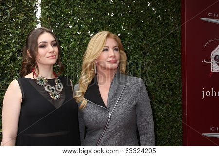 LOS ANGELES - APR 13:  Sophie Simmons, Shannon Tweed at the John Varvatos 11th Annual Stuart House Benefit at  John Varvatos Boutique on April 13, 2014 in West Hollywood, CA
