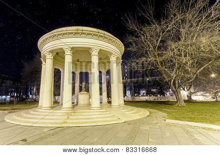 Romantic monument in Skopje on star night