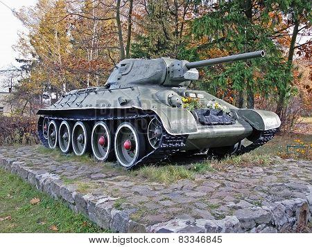 Soviet Tank T-35