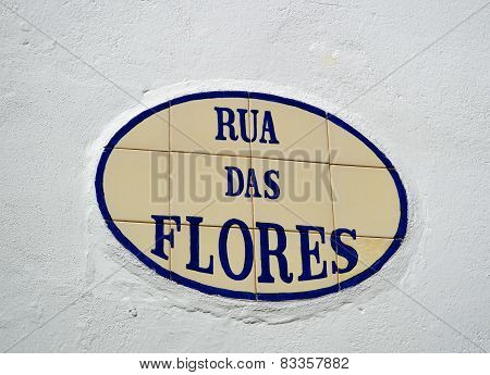 Tiles with the inscription of Rua das Flores in Alte