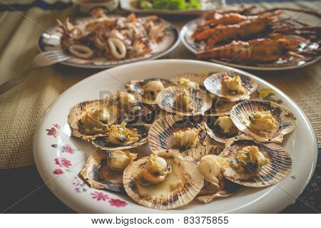 Homemade seafood lunch set(focus on only scallops )
