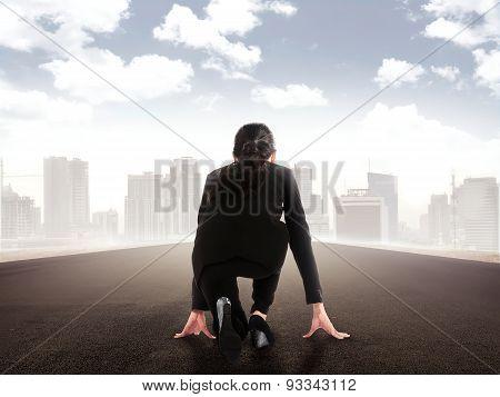 Asian Business Woman Start Run