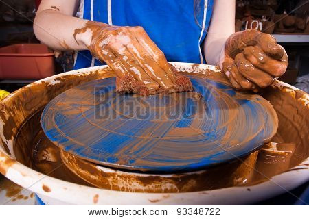 Cleaning Of The Pottery Wheel