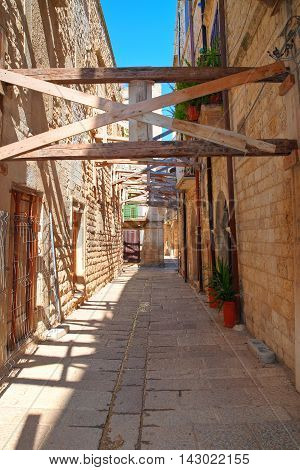 Characteristic alleyway of Molfetta. Puglia. Southern Italy.