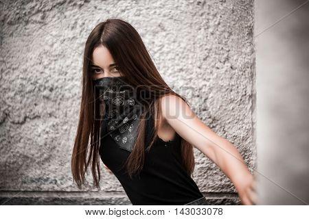 Bandidas, a criminal, a girl in a white bandanna