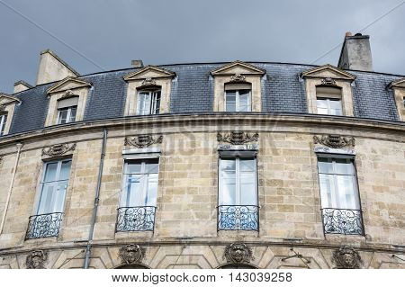Old house in Bordeaux. Bordeaux is a port city on the Garonne river in southwestern France