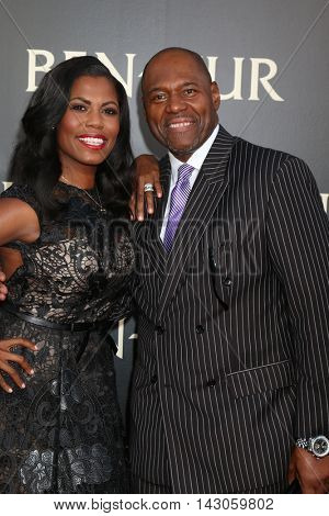 LOS ANGELES - AUG 16:  Omarosa Manigault, Fiance Dr. John Allen Newman at the