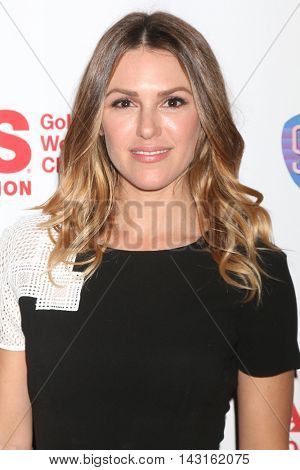 LOS ANGELES - AUG 15:  Elizabeth Hendrickson at the