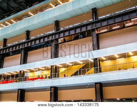 Tate Modern Turbine Hall In London (hdr)