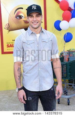 LOS ANGELES - AUG 09:  Ryan Guzman arrives to the