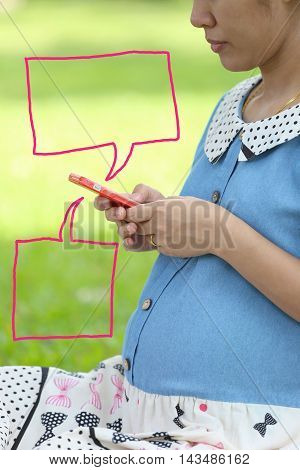 Pregnant women are using smartphones in search data and have two textbox for input text to it.