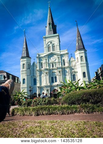 White basillica in New Orleans in Jackson Square.