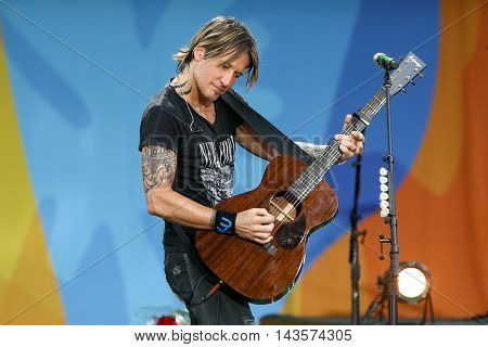 NEW YORK-AUG 12: Keith Urban performs in concert on ABC's