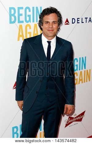 NEW YORK-JUNE 25: Actor Mark Ruffalo attends the New York premiere of Weinstein company's