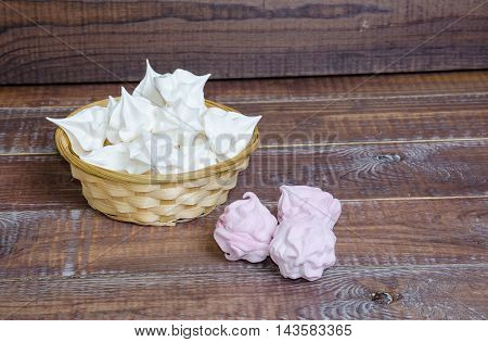 Delicious Vanilla Fruit Zephyr And Snow White Crispy Merengues
