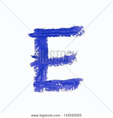 Single e latin letter symbol drawn with a wax crayon isolated over the white background