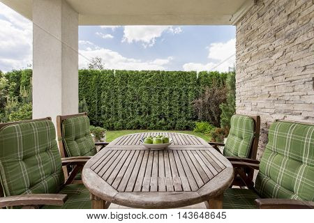 Cosy And Elegant Terrace For A Large Family