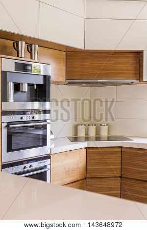 Elegance Hand In Hand With Practical Kitchen Solutions