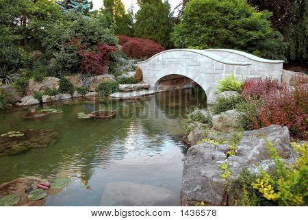 White Garden Bridge