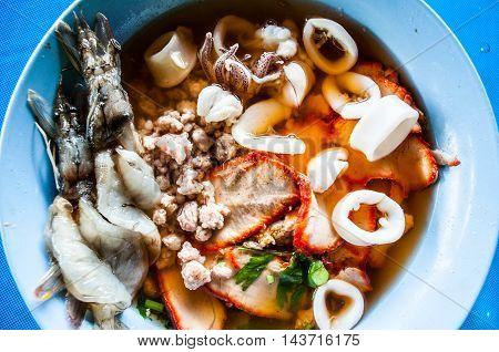 thai noodle form top view with a shimp