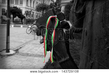 Hungarian flag on the guitar. The statue of Cseh Tamás by István Majoros.