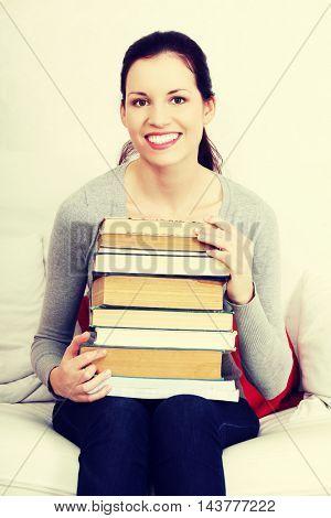 Meny books.