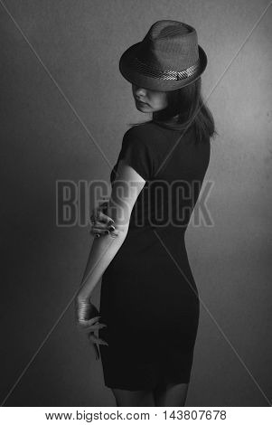 Style Noir: Hollywood Actress In The Hat,