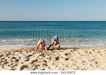 Kinder am Meer/Strand