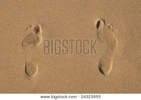 Girl's footprints on send