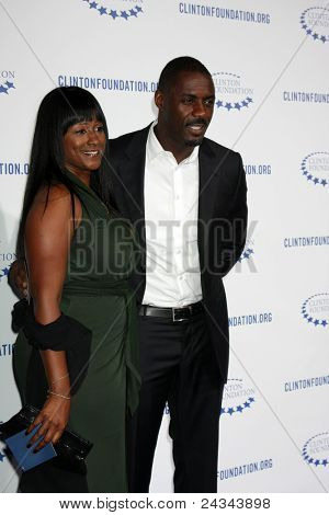 .LOS ANGELES - OCT 14:  Idris Elba arriving at the Clinton Foundation