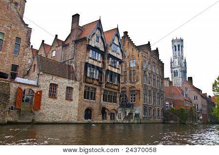 Modo de exibição clássico de canais de Bruges
