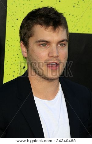 LOS ANGELES - JUN 25:  Emile Hirsch arrives at the
