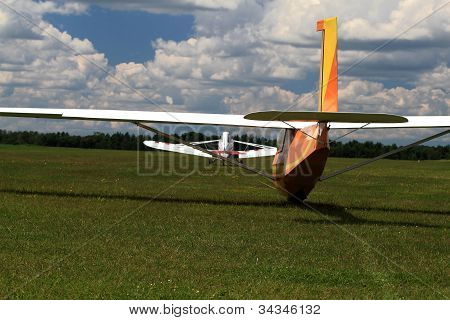 Tandem Towplane, Glider On Start Line Ready To Run