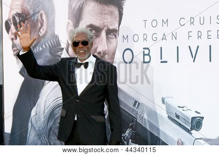 LOS ANGELES - APR 10:  Morgan Freeman arrives at the