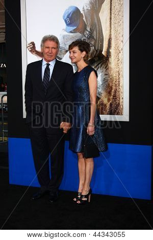 LOS ANGELES - APR 9:  Harrison Ford, Calista Flockhart arrives at the