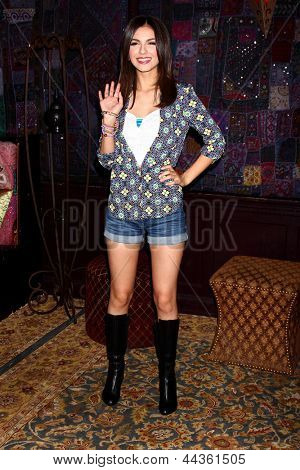 LOS ANGELES - APR 1:  Victoria Justice at the Big Time Rush and Victoria Justice