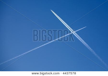 Two Crossing Plane Traces
