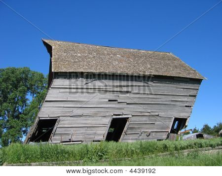 Leaning Barn In Iowa