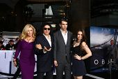 LOS ANGELES - APR 10:  Shannon Tweed Simmons, Gene Simmons, Nick Simmons, Sophie Simmons arrives at
