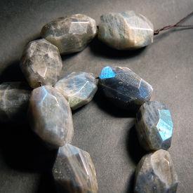 picture of feldspar  - Labradorite - JPG